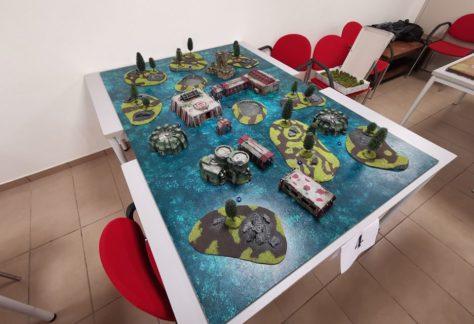 Table de jeu marécageuse et complexe de recherche